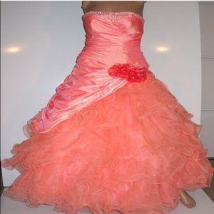 Ball gown orange organza Dress  petite size 2 🌸📦
